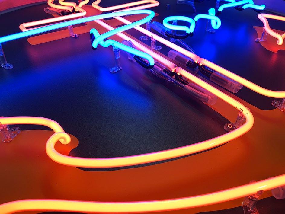 andesigneon - egyredi neon felirat készítés